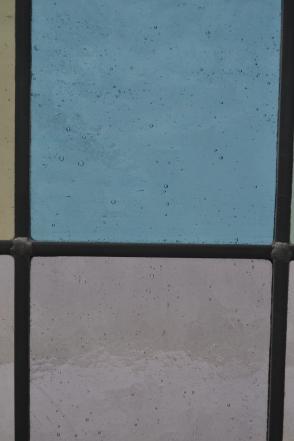 R131 white close (2)